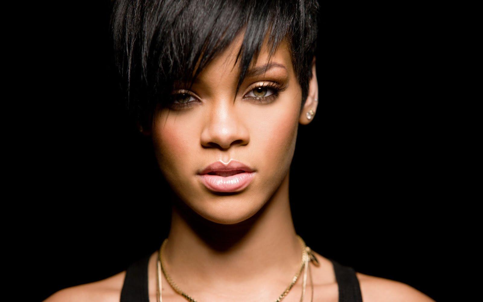 Vídeo clipe Rihanna cantando Diamonds, imperdível