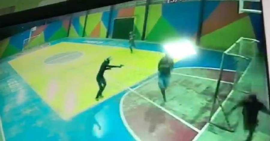 Escola em Fortaleza é invadida por dois homens armados – Veja o vídeo