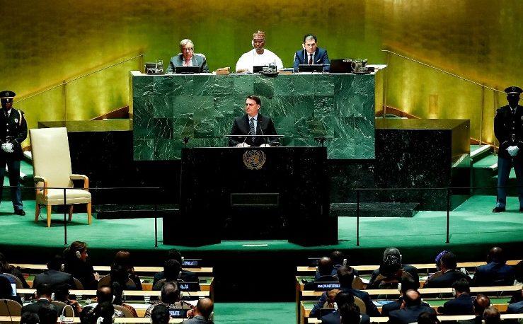 """""""Estamos há 2 anos e 8 meses sem qualquer caso concreto de corrupção"""", diz Bolsonaro na ONU"""