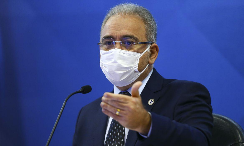 Ministro da saúde Marcelo Queiroga confirma suspensão de vacina para adolescentes