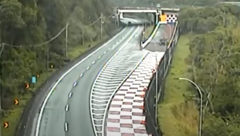 Área de Escape do km 353 da BR-116, em Miracatu (SP), evita acidente de caminhoneiro