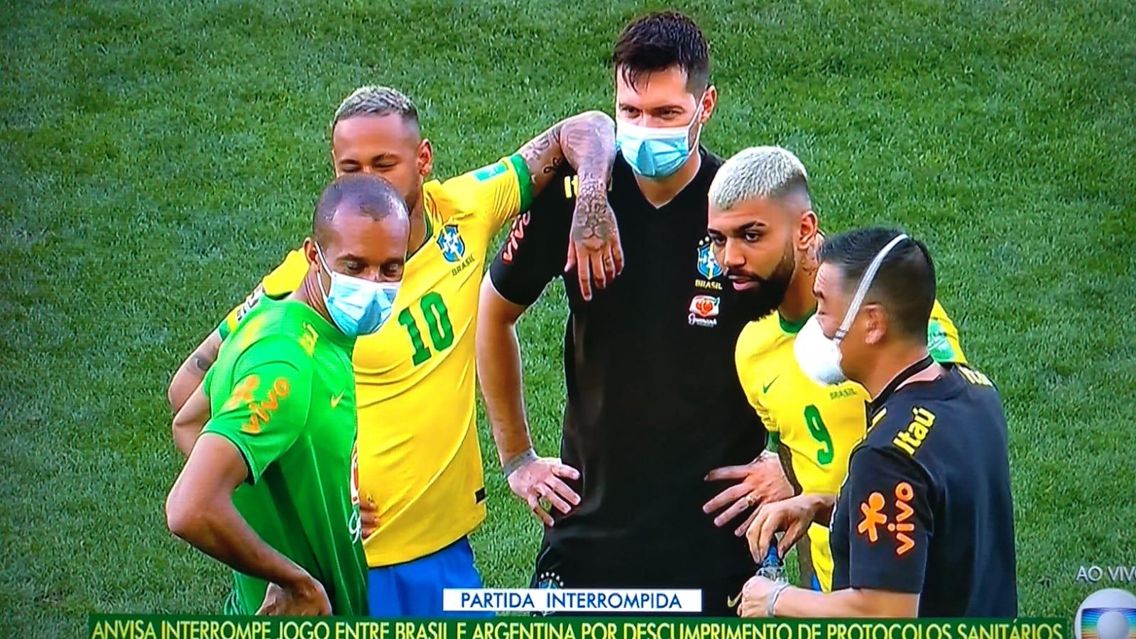 Brasil x Argentina: Jogo pelas eliminatórias é interrompido pela Anvisa