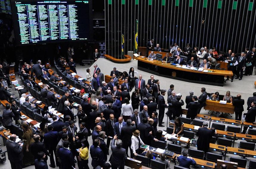 Câmara aprova em Brasília texto base que altera as regras do Imposto de Renda