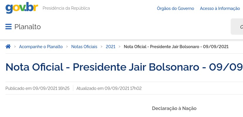 """Bolsonaro solta Nota Oficial e diz que """"minhas palavras, por vezes contundentes, decorreram do calor do momento"""""""